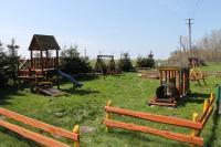 Ogrodzony plac zabaw dla dzieci